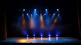 Présentez les lumières bleu Clignotant lumineux de lumières d'étape banque de vidéos