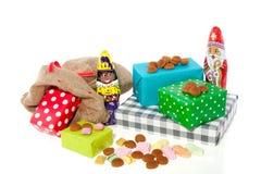 Présents et sucrerie hollandais de Sinterklaas Photo libre de droits