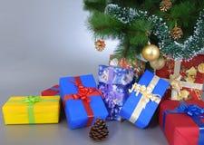 Présents sous l'arbre ! Photographie stock