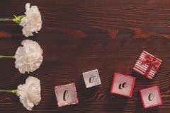 Présents sur la table Image libre de droits