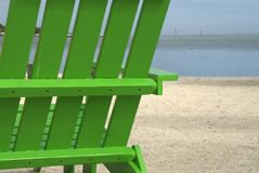 Présidence de plage verte Photos stock