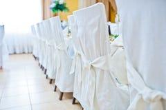 Présidences blanches de mariage Photos stock