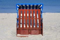 Présidences de plage en osier Photo libre de droits