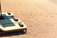 Présidences de toile sur la plage Images stock