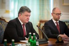 Président de l'Ukraine Petro Poroshenko au cours de la réunion de NSDC Images libres de droits