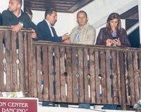 Président de rumen Radev de la Bulgarie avec son épouse et chef de la communauté de Tsarevo aux jeux de Nestinar, le village de B Photos libres de droits