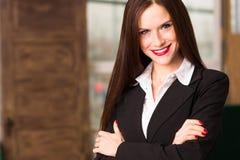 Président femelle Office Workplace de femme d'affaires de brune attrayante Photos stock