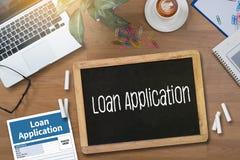 Prêtez le formulaire de demande financier remplissant forme de cre d'affaires Image libre de droits