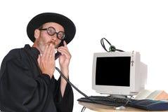 Prêtre au téléphone Images libres de droits