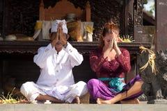 Prêtre et adorateur Photographie stock libre de droits