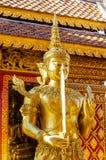 Príncipe com a espada em Wat Doi Suthep Chiang Mai Tailândia Fotografia de Stock Royalty Free