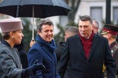 Príncipe herdeiro de Dinamarca Frederik e de Raimonds Vejonis, presidente de Letónia imagem de stock