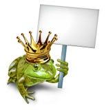 Príncipe Holding de la rana una muestra en blanco Imagenes de archivo
