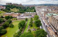 Príncipes Rua Jardim e o monte Edimburgo Escócia Reino Unido Fotografia de Stock