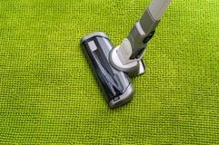 Próżniowy cleaner na podłogowym seansie fotografia royalty free