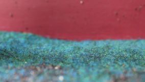 Próżniowy cleaner na Zielonym dywanie zbiory wideo