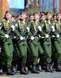Próba kostiumowa parada na cześć zwycięstwo dzień na placu czerwonym na 7 może 2017 Kadeci Moskwa rozkazu wojskowego wysoki sc Fotografia Stock