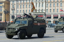 Próba parada na cześć zwycięstwo dzień w Moskwa GAZ Tigr jest rosjaninem 4x4, wielocelowym, teren piechoty ruchliwość Zdjęcia Royalty Free