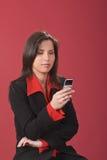 Prüfung des Handys Lizenzfreie Stockbilder