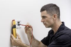 Prüfung des Thermostats lizenzfreies stockfoto