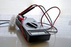 Prüfvorrichtungsvoltmeteramperemeter lizenzfreie stockfotografie
