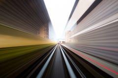 Prędkość ruch w miastowym autostrady drogi tunelu Zdjęcia Stock