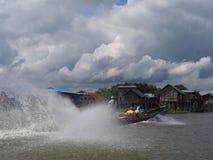 Prędkości łódź na Inle jeziorze Obrazy Royalty Free