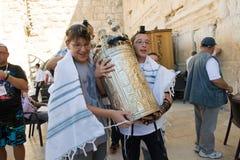 Prętowego Mitzvah rytuał przy Wy ścianą Obraz Royalty Free