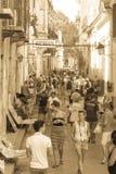 Prętowy los angeles Bodeguita Del Medio na Obispo ulicie, Turyści chodzi i fotografia stock