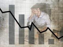 Prętowy wykres niskie sprzedaże i bankrutującego prevision grunge brudny złożony projekt z zmęczonym sfrustowanym biznesmenem Zdjęcia Stock