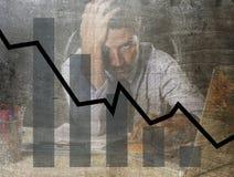 Prętowy wykres niskie sprzedaże i bankrutującego prevision grunge brudny złożony projekt z zmęczonym sfrustowanym biznesmenem Obrazy Royalty Free