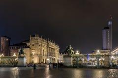 Praça Castello na noite, Turin Itália imagem de stock royalty free