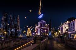 Praça da cidade decorada Fotos de Stock