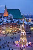 Praça da cidade velha na noite em Varsóvia Fotos de Stock
