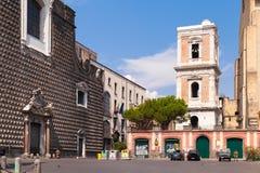 Praça Gesu Nuovo, opinião da rua de Nápoles Foto de Stock Royalty Free