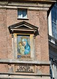 A praça San Pietro onde enfrentando o quadrado do ` s de St Peter, papa Francis agradece ao muitos que esperam sua presença do qu imagens de stock royalty free