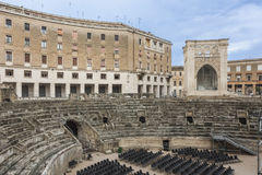 Praça Santo Oronzo e Roman Amphitheatre em Lecce fotos de stock
