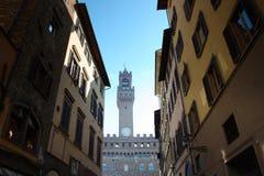 A Pra?a famosa del Domo em Floren?a, no cora??o do centro da cidade hist?rico Catedral de Santa Maria del Fiore em branco fotos de stock