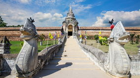 Pra That Lampang Luang, the famous ancient buddhist temple located in Lampang stock video
