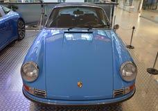 PRAAG - APRIL 14: Porsche 911 reeksen van Targa F (1973) Stock Afbeeldingen