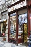 Praag, 29 augustus: Herinneringenwinkel in Oude Stad van Praag, Tsjechische Republiek Royalty-vrije Stock Fotografie