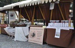 Praag, 29 augustus: Markttribunes in Praag, Tsjechische Republiek Stock Fotografie
