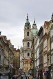 Praag, 29 augustus: St Nicholas Church van Praag in Tsjechische Republiek Royalty-vrije Stock Fotografie