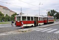 Praag, 29 augustus: Stadstram in Praag, Tsjechische Republiek Royalty-vrije Stock Afbeeldingen
