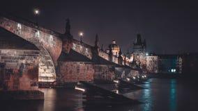 Praag Charles Bridge van de linkeroever van Vltava ` s Royalty-vrije Stock Fotografie