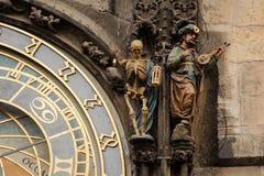 PRAAG, CZECHIA - 18 OKTOBER, 2017: De astronomische klok van Praag De astronomisch klok van Praag of Praag orloj zijn middeleeuws Stock Fotografie