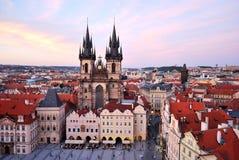 Praag. De Kerk van Tyn van Onze Dame, eeuw 12 royalty-vrije stock afbeeldingen