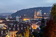 praag De toneelherfst, Mening aan de Oude Stad bij nacht, Tsjechische Republiek Stock Afbeelding