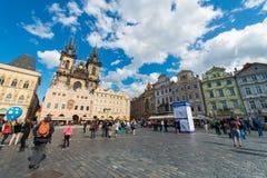 Praag - MEI 9, 2014: Oud Stadsvierkant op 9 Mei binnen Royalty-vrije Stock Foto's