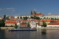 Praag op Vltava royalty-vrije stock foto's